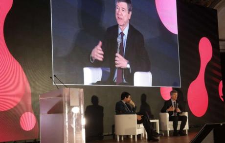 L'economia (civile) secondo Sachs: più cooperazione e no alla flat tax