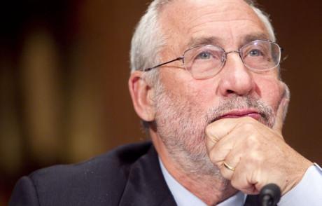 Stiglitz: Il Ttip è iniquo, l'Europa non dovrebbe firmarlo