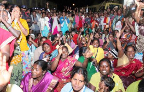 India: le raccoglitrici di tè vincono contro una multinazionale
